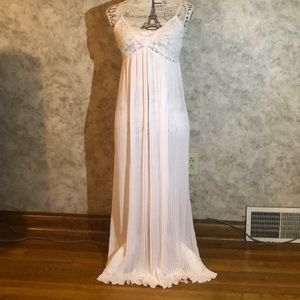 Intimo Donatella* Flowing Long Nightgown